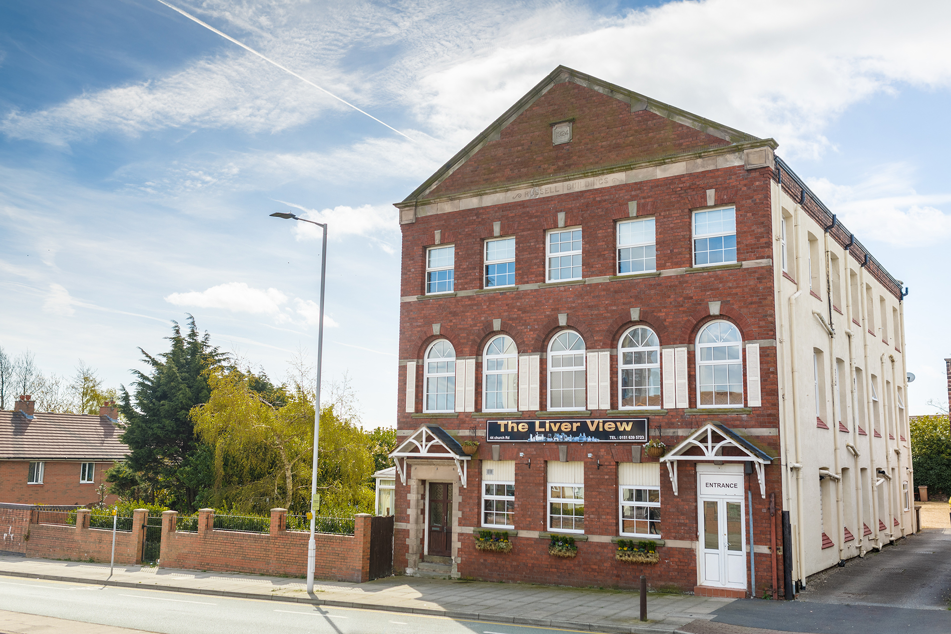 LiverView Hotel In Wallasey Birkenhead Liverpool - Amazing house built across a river